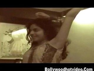Arohi desi girl hot sex scandal leaked