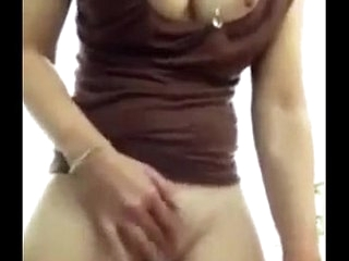 indian bhabhi showing her pussy