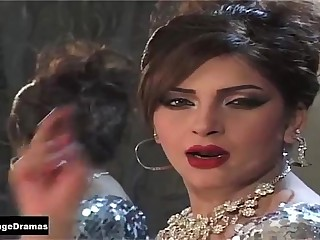 BAND KAMRAY MEIN - MAHNOOR MUJRA (GLAMOUR QUEEN) -  PAKISTANI MUJRA DANCE 2014