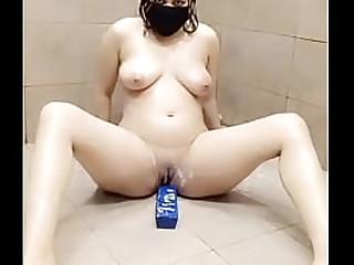 Pakistani Beauty Batroom Fun