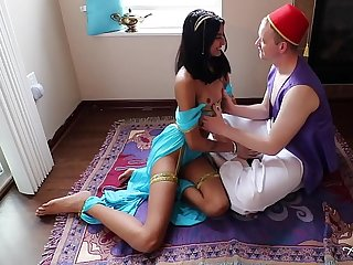 SLUTTY DESI PRINCESS JASMINE BLOWS ALADDIN ON MAGIC CARPET
