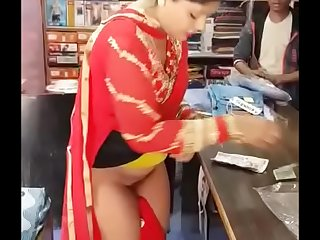 Indian  she proves the shopkeeper wrong